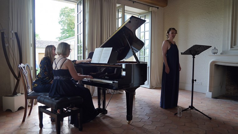 Concert d'Aude Extremo. Irène Kudela au piano.
