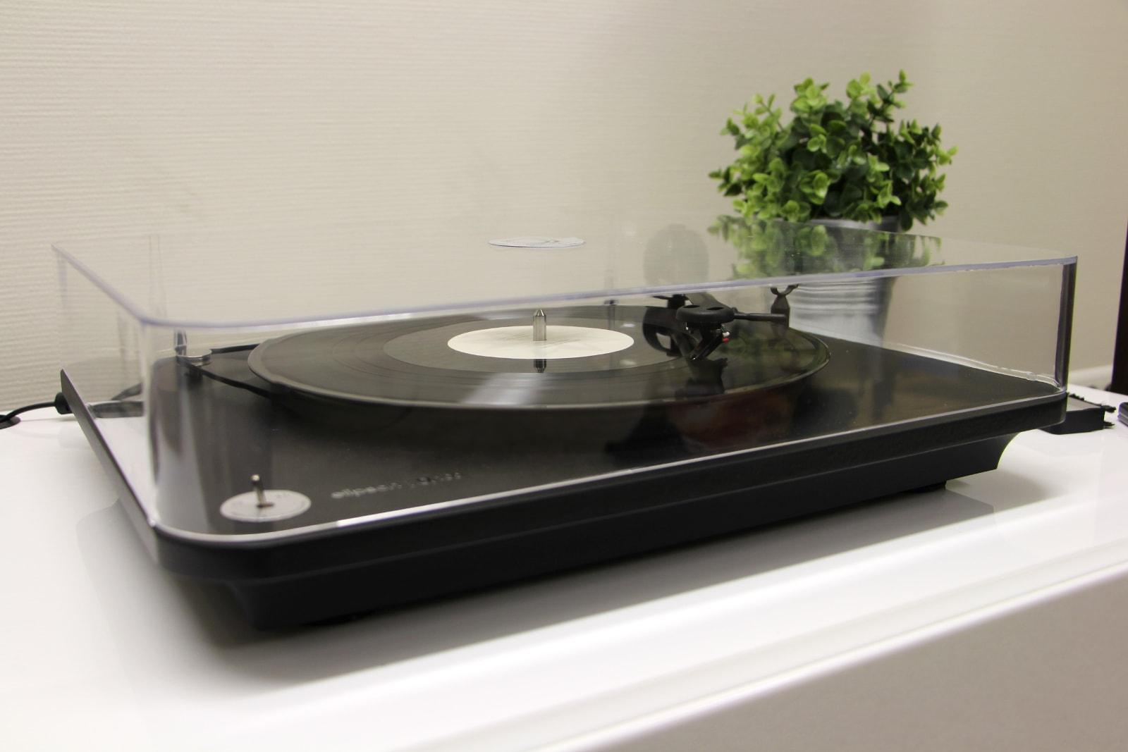 test de la platine vinyle elipson alpha 100 le blog de son vid. Black Bedroom Furniture Sets. Home Design Ideas